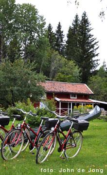 Cykla, paddla, rid, fiska, vandra - i Svartådalen, Västmnaland. Hur cykel. Hyr kanot.